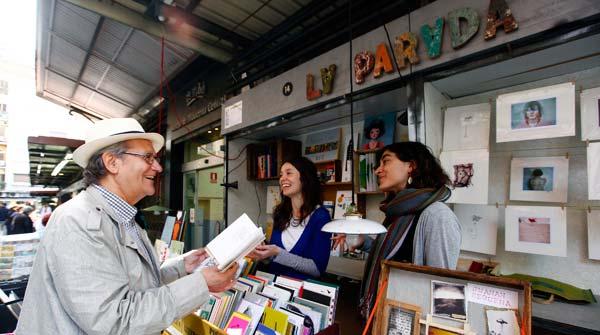 Llibreria La Parada : «Acercar el arte a la calle»