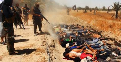 Miembros del Estado Isl�mico masacran dispar�ndo r�fagas de kalashnikov a decenas de prisioneros en la provincia iraqu� de Saladino.