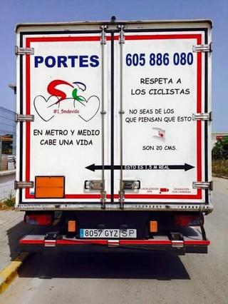 La imagen del camión respetuoso con los ciclistas.