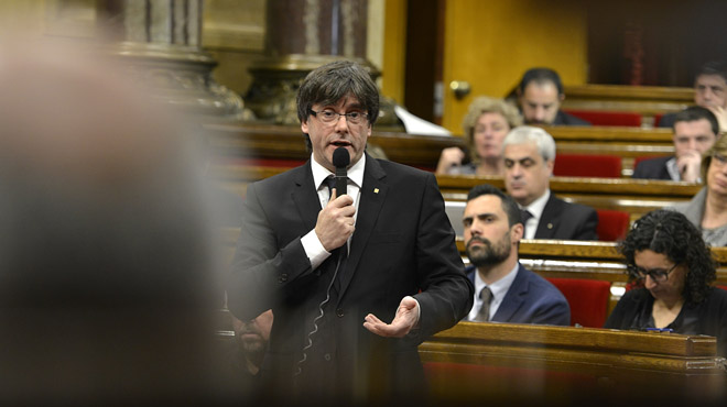 Intervención del president Carles Puigdemont en el Parlament tras la suspensión de la Conselleria de Exteriors.
