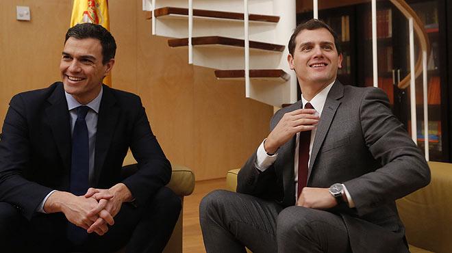 Pedro Sánchez, en diciembre del 2015: Rivera tendrás 20 años menos pero eres la misma derecha que el PP