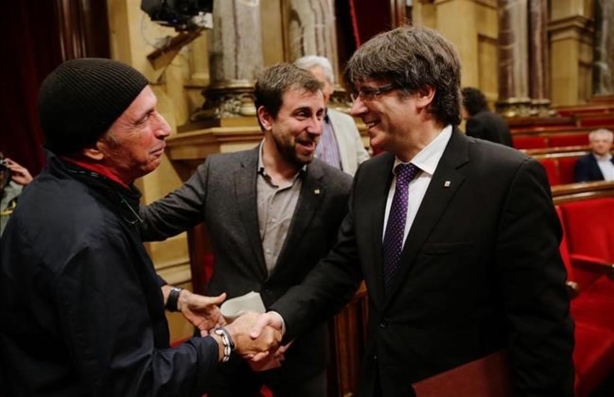 Carles Puigdemont y Lluís Llach