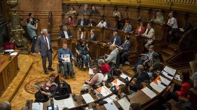 El ple censura l'acció de govern de Colau