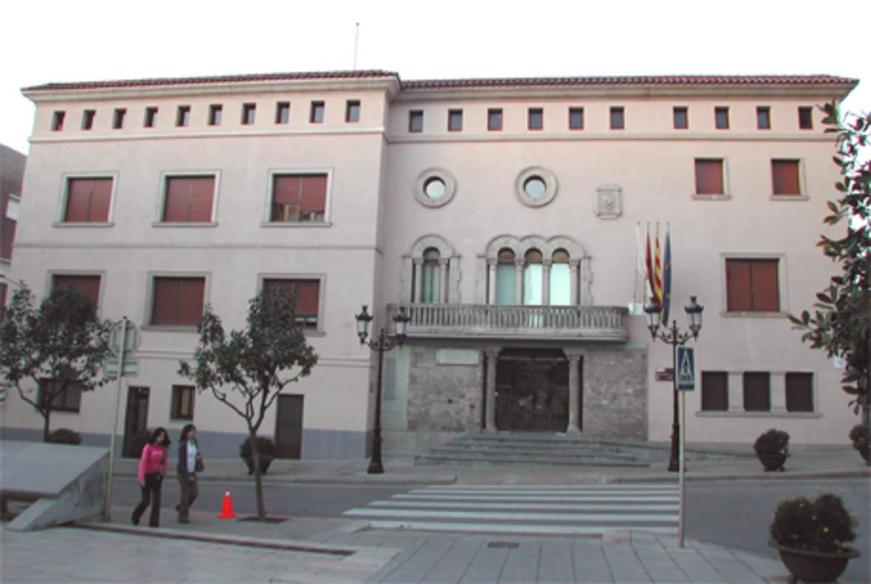 La ciudadan a decidir el destino del 25 del presupuesto for Correos cornella de llobregat