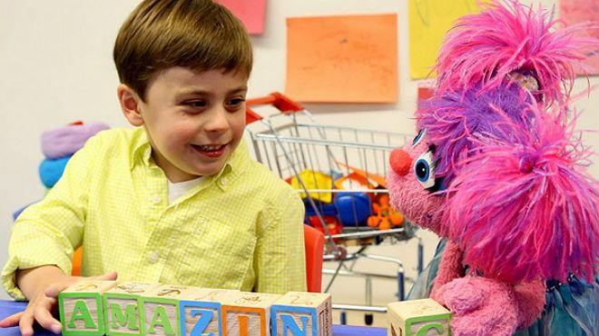 Barrio Sésamo pone en marcha un proyecto para concienciar sobre los niños con autismo, que incluye un nuevo 'muppet' llamado Julia.