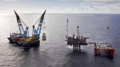 El precio del barril de petróleo cae a niveles mínimos desde diciembre
