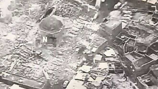 """L'Estat Islàmic destrueix la mesquita de Mossul on es va proclamar el """"califat"""" davant l'avanç de la coalició"""