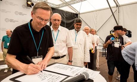Ganadores del Nobel firman la Declaraci�n de Mainau.