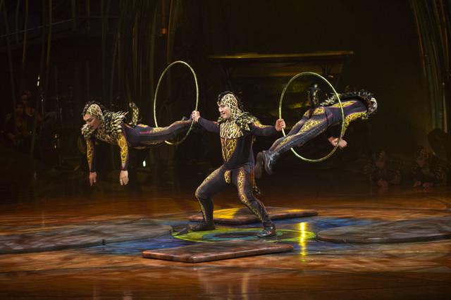 Desfile de famosos en el estreno del cirque du soleil en for Espectaculo circo de soleil
