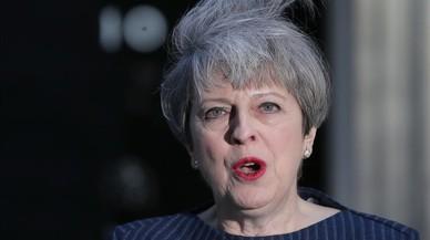 Va repetir que no convocaria eleccions anticipades, però May va tornar a donar un gir inesperat