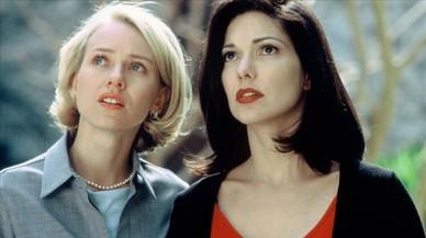 Naomi Watts y Laura Elena Harring, en una imagen de 'Mulholland Drive'.