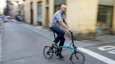 Koos Kroon: «Ja toca treure el cotxe privat de la ciutat»