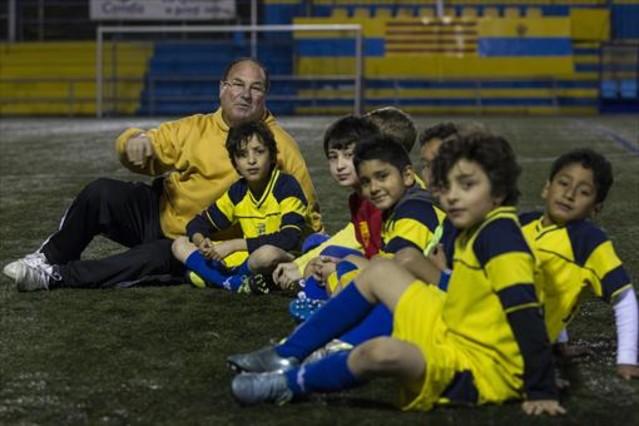 Goles educativos en la escola esportiva guineueta for Paco familiar