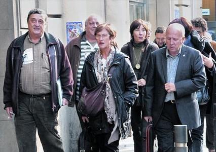 Blanco (IAC), Pujol (CCOO) i Casas (UGT), a l'arribar a la reunió d'ahir amb la Generalitat.
