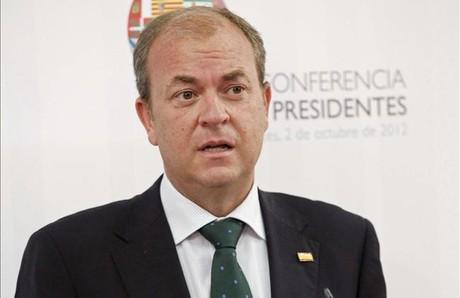 El presidente extremeño, José Antonio Monago, el pasado día 2, tras la Conferencia de Presidentes, en el Senado. EFE