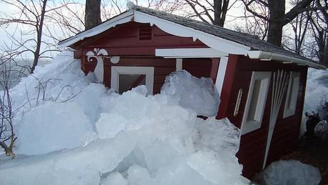 Una casa rodeada de hielo el pasado domingo, en Minnesota.