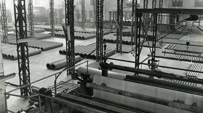 La fábrica de Uralita en Cerdanyola del Vallès, a principios de los 80.