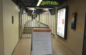 Estación del metro Urquinaona, cerrada este martes por la mañana.