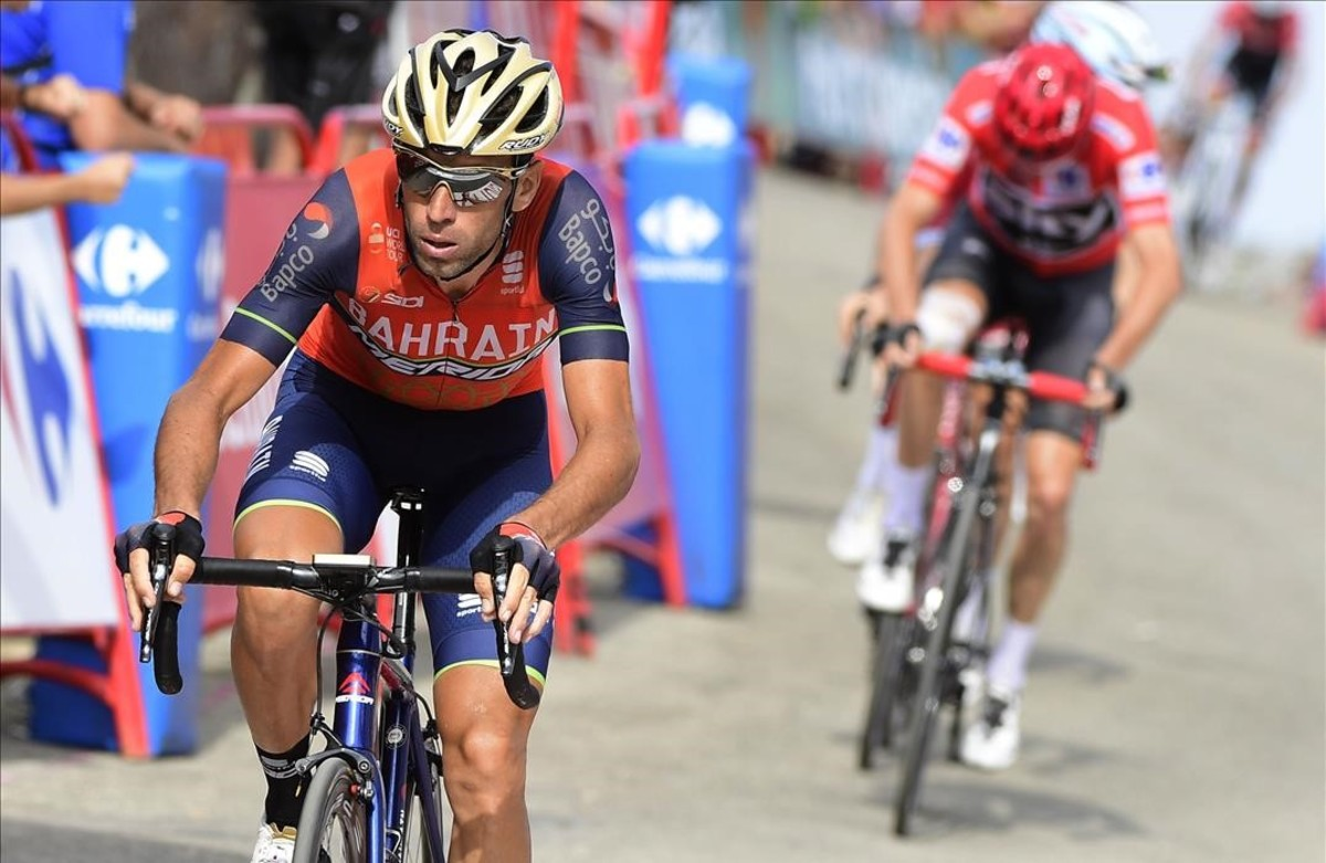 segea39918319 bahrain merida s italian cyclist vicenzo nibali crosses the 170902192555