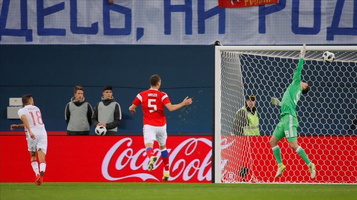 Jordi Alba marca el primer gol de la selección española con un gran cabezazo