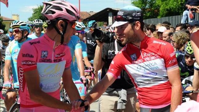 Cavendish triunfa en la gran fiesta de Nibali