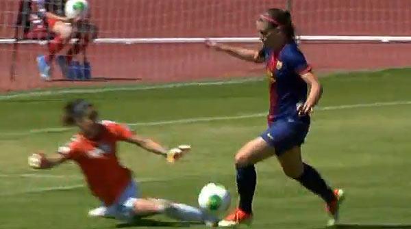 Alexia anota el tercer gol del Bar�a contra el Zaragoza en la final de la Copa de la Reina. YOUTUBE / MARCA TV