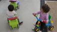 Sis de cada 10 famílies paguen menys amb la tarifació social de llars d'infants de Barcelona