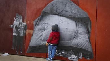 Buscando refugio, proyecto de Samuel Aranda y Maria Jou Sol sobre la cirsis de refugiados, con imágenes ubicadas en diferentes rincones de Santa Coloma de Gramenet.