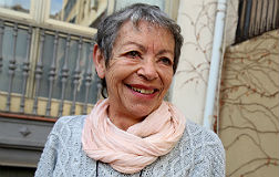 Maria Ant�nia Oliver, en la sede de �mnium Cultural, este mi�rcoles.