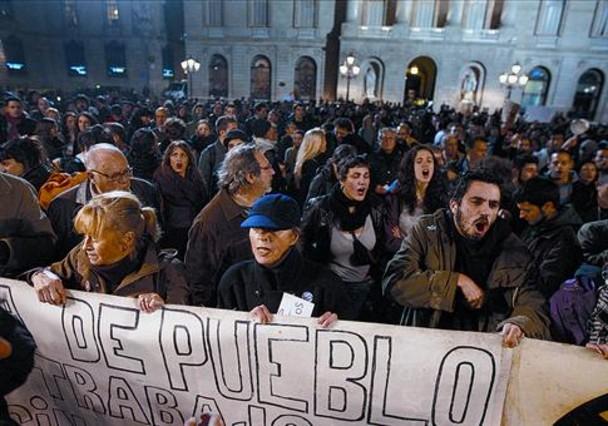 El PSOE da a Rajoy por casi «hundido» y le acusa de una opacidad «desleal»