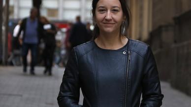 La periodista Sara González analiza en un libro la supuesta trama de corrupción en Sabadell