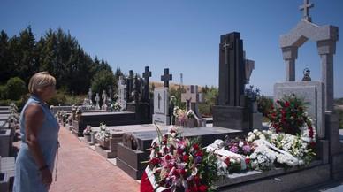 Las cenizas de Blesa entran en el panteón familiar de Linares