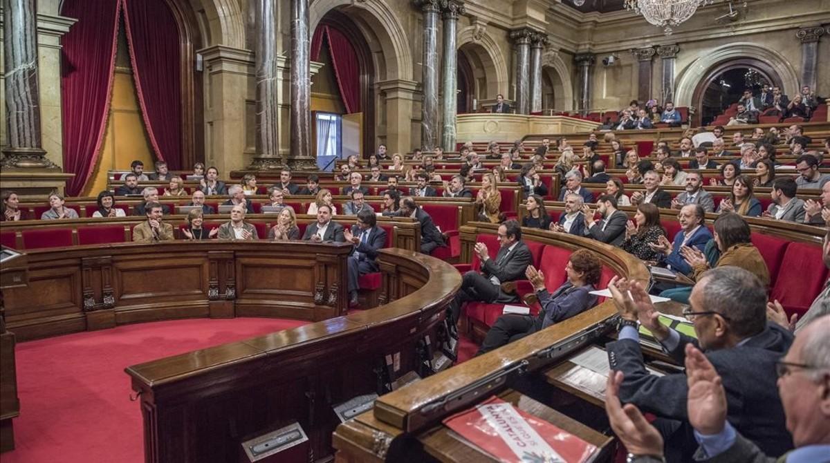 JxSí registra una reforma del reglament del Parlament per agilitzar la desconnexió