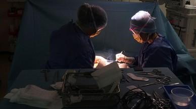 Cinc detinguts a Palma per estafar amb la venda d'un fals medicament per curar el càncer