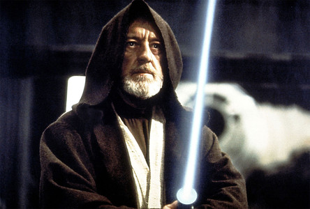 1977. Obi Wan Kenobi y la espada lser de 'La guerra de las galaxias'. El cine en otra dimensin.