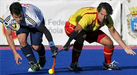 El jugador de hockey lex Fbregas en un torneo preparativo para los Juegos Olmpicos