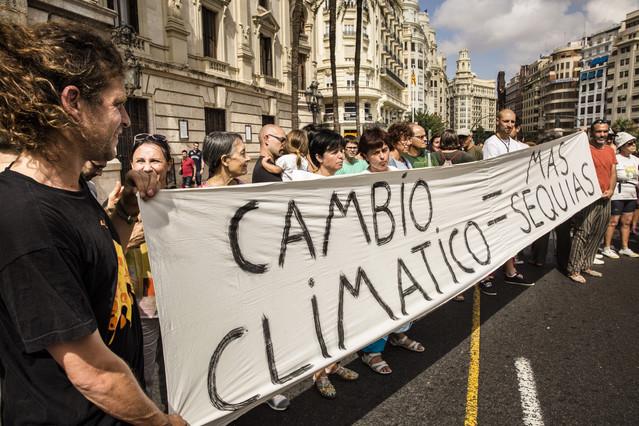 Manifestantes por el clima mundial