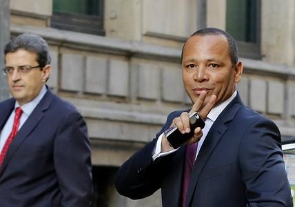 El padre de Neymar llega a la Audiencia Nacional.
