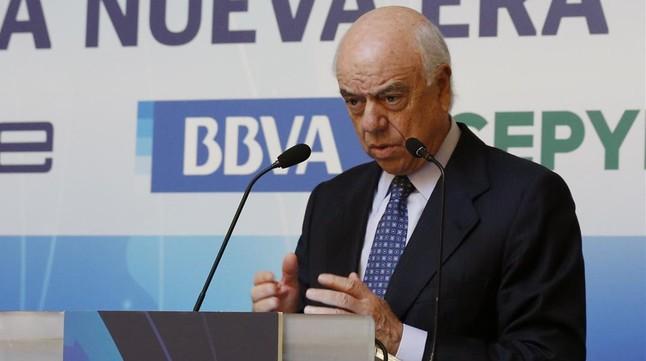 El presidente del BBVA, Francisco González, durante su intervención en el encuentro organizado por la CEOE y Cepyme.