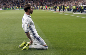 Sergio Ramos celebra el segundo gol del Madrid