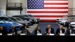 Donald Trump y los fabricantes de automóviles americanos.