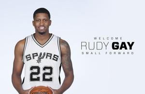 Rudy Gay, presentado por los San Antonio Spurs.