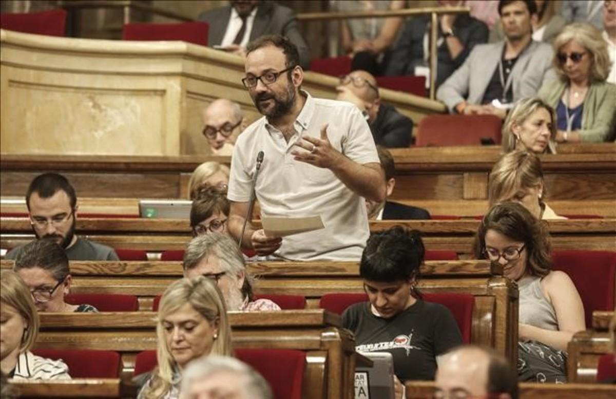 jregue38884129 barcelona 14 6 2017 sesion de preguntas al govern en el par170717111950