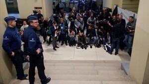Expectación en el Palacio de Justicia de Bruselas, a la espera de que Puigdemont y los exconsellers concluyan su declaración ante el juez.
