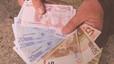 Tres de cada 10 assalariats cobren menys de 1.230 euros bruts al mes