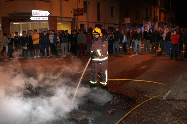 El Govern y Fomento pactan eliminar el paso de grandes camiones por la N-2 en Girona