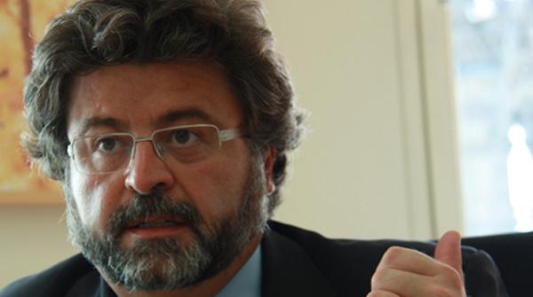 El Govern també planta Wert en la reunió sobre universitats