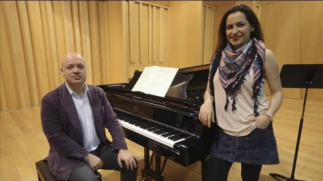 Albert Guinovart y Anna Al�sen el Petit Palauantes de ensayar.