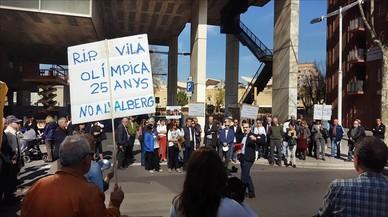 La Vila Olímpica no abaixa la guàrdia contra el projecte de l'alberg