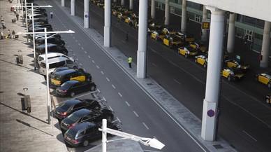 Catalunya multarà amb 2.000 euros els cotxes de lloguer amb conductor il·legals
